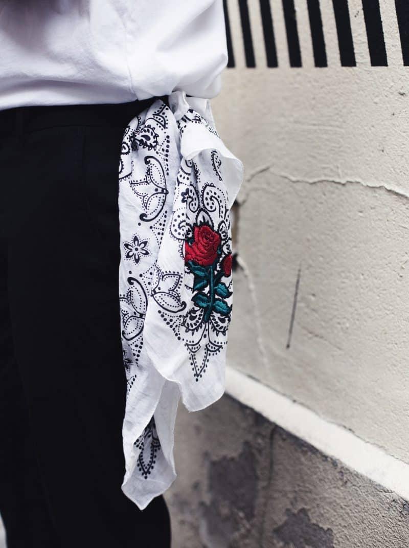 bandana rose brodée homme