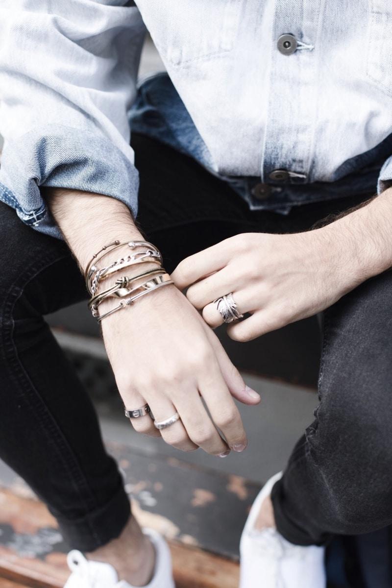 Veste-délavée-tie-dye-color-block-influenceur-homme-bijoux-asos