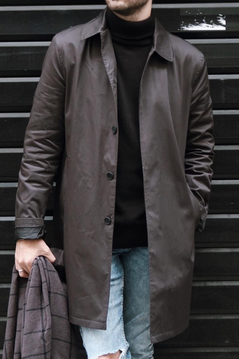 impermeable-long-noir-col-roulé-homme