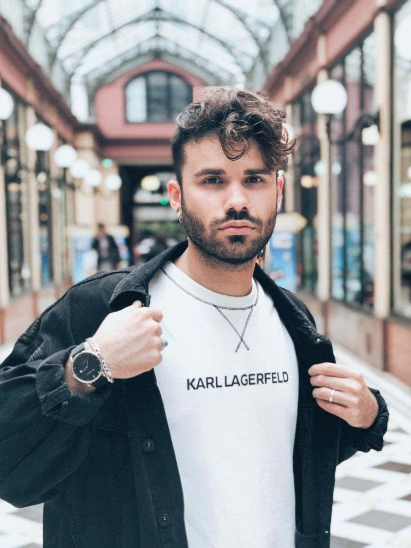 Karl Lagerfeld sweat noir et blanc